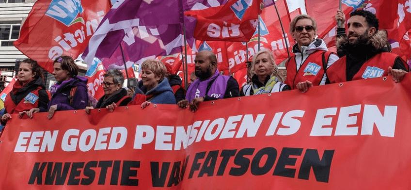 Openbaar vervoer in Nederland volledig plat voor goed pensioen