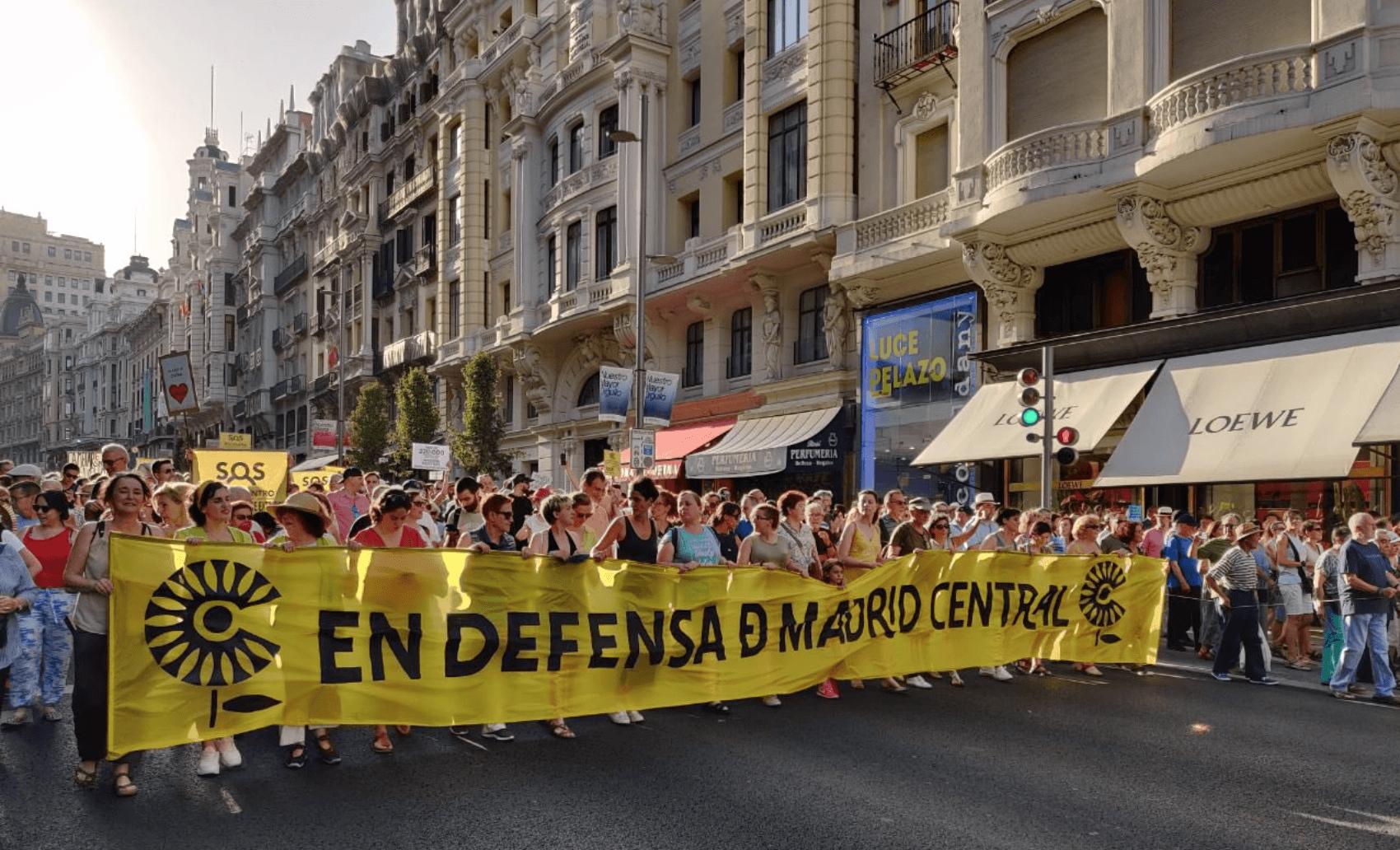 Nieuwe rechtse burgemeester Madrid clasht met burgerbewegingen