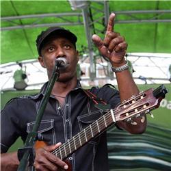TONY AVILA Y SU GRUPO La mejor música Cubana