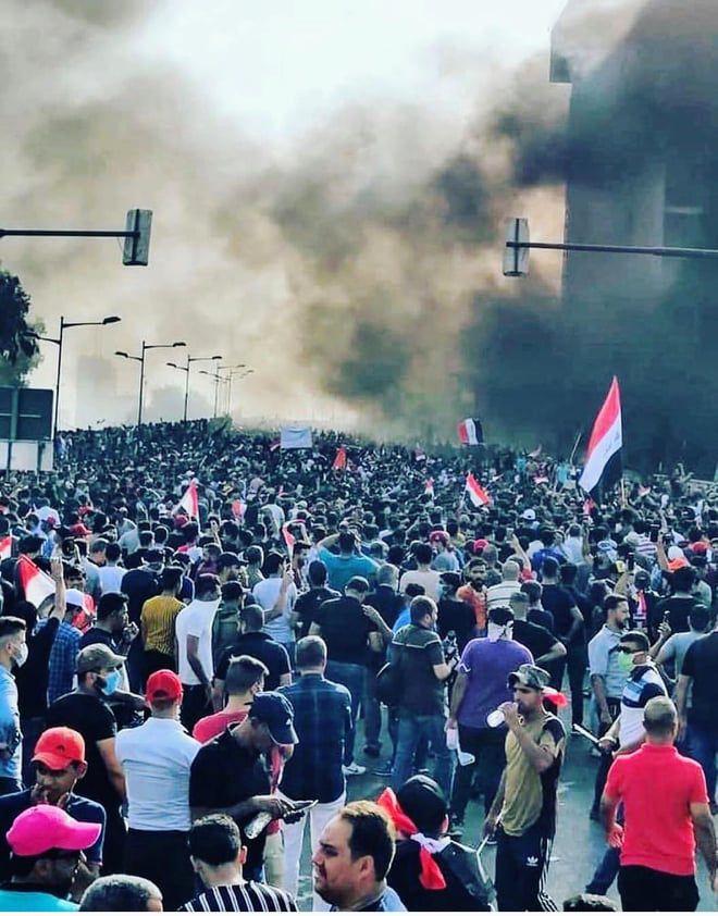 Anti-regeringsprotesten in Irak eisen mensenlevens: 'De lucht is zwart en ruikt naar traangas en buskruit'