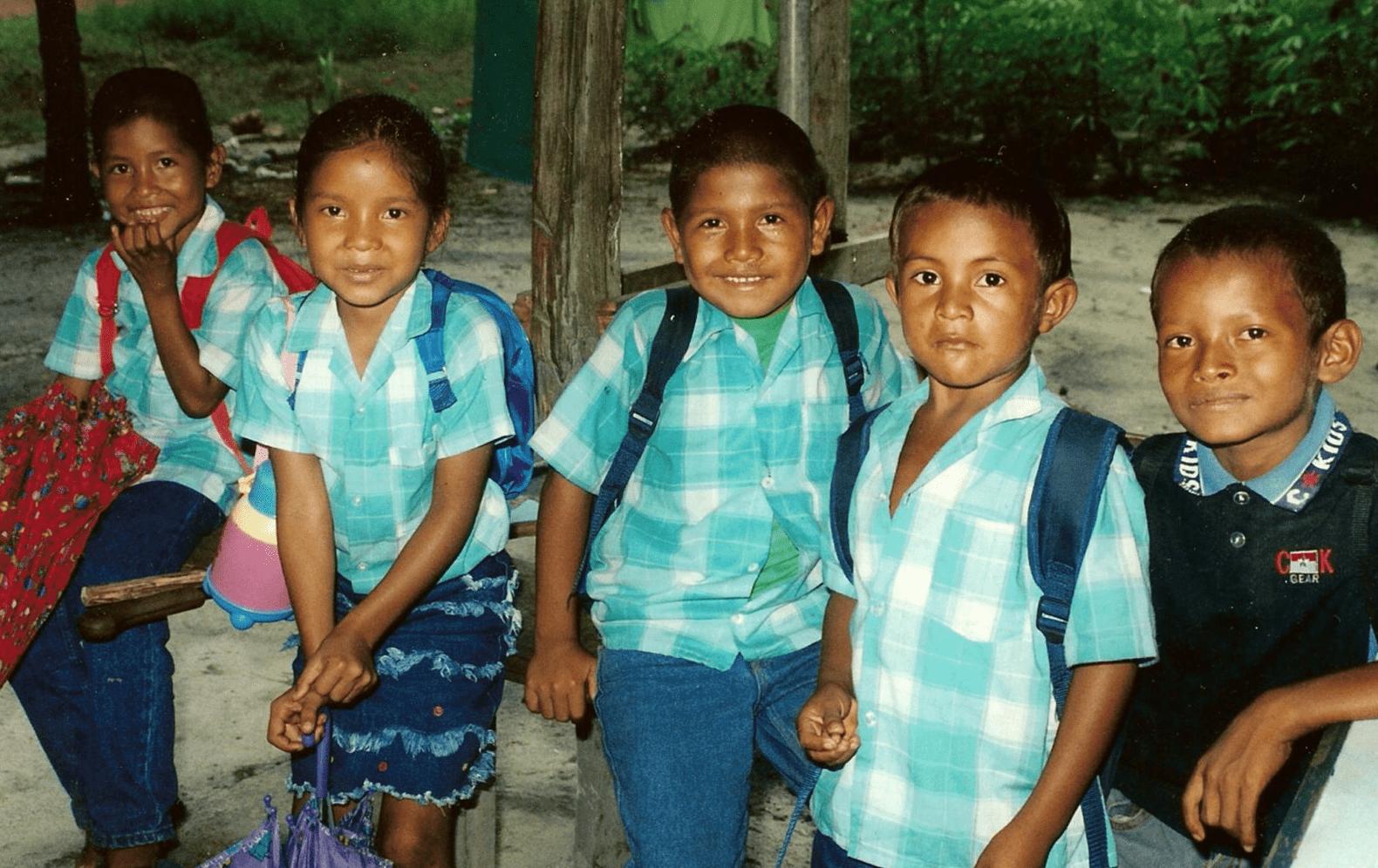 Schoolkinderen in Zuid-Amerika.