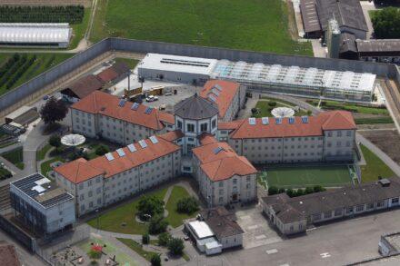 gevangenis met 5 vleugels